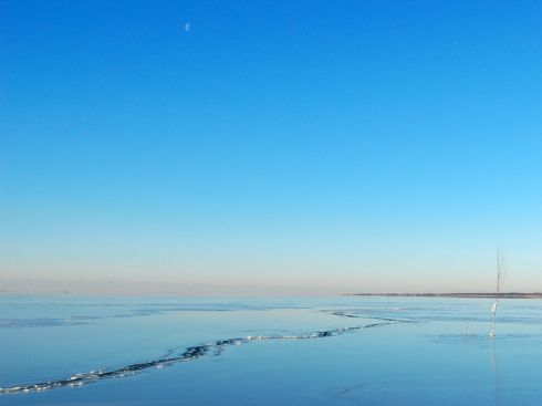 moon-over-frozen-bay