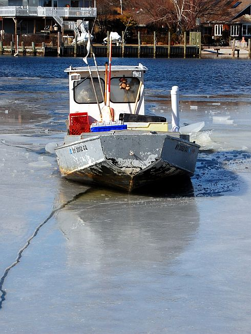joes-boat-through-ice